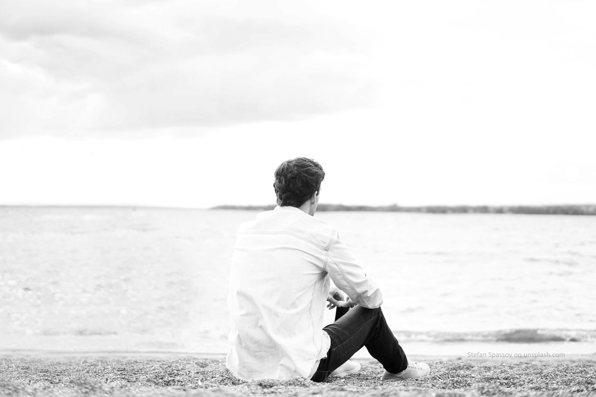 man_alone_sw_bn
